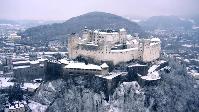 Salzbourg en hiver Forteresse-de-Hohensalzburg sous la neige