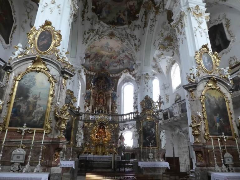intérieur de l'abbaye d'andechs en bavière
