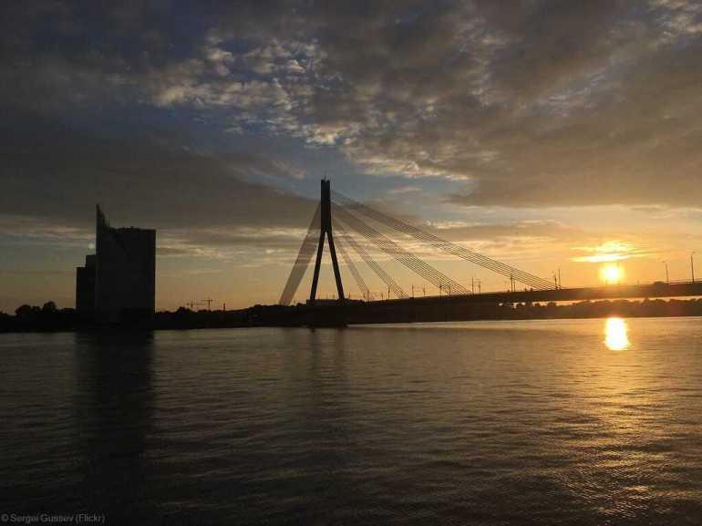 Pont de Riga menant jusqu'à l'ile Kipsala