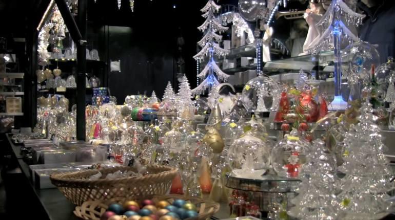 décorations de noel en cristal sur le marché de noel de salzburg