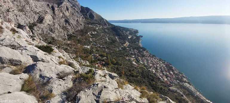 vue sur la riviera d'omis depuis la forteresse fortica