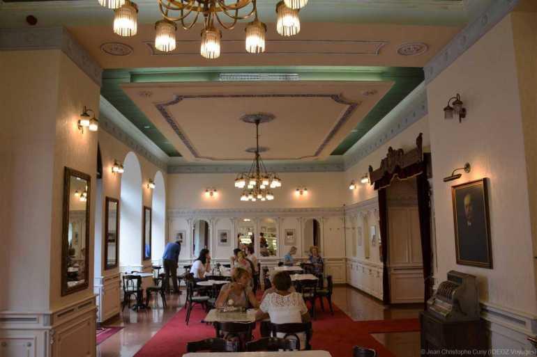 Hauer café légendaire à budapest, intérieur du café