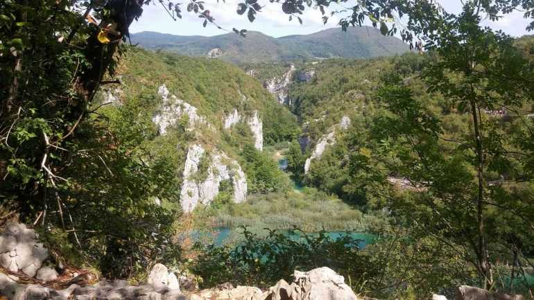 autre panorama sur le parc national des lacs de plitvice