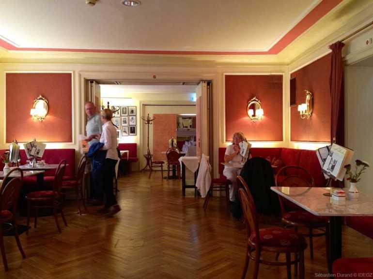 intérieur du café Sacher à Innsbrück