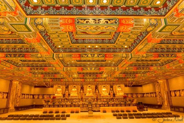 Monastère de Po Lin, ça brille !