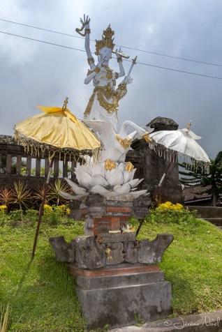 Besakih - statue