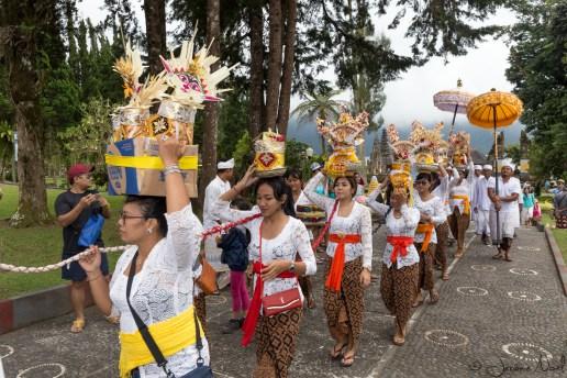 Pura Ulun Danu Bratan - cérémonie