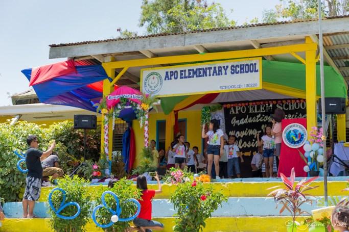 Apo Island - danses à l'école