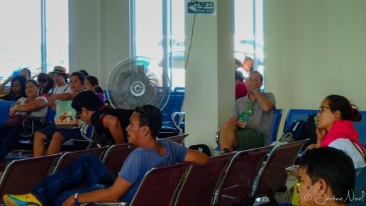 En attendant le ferry