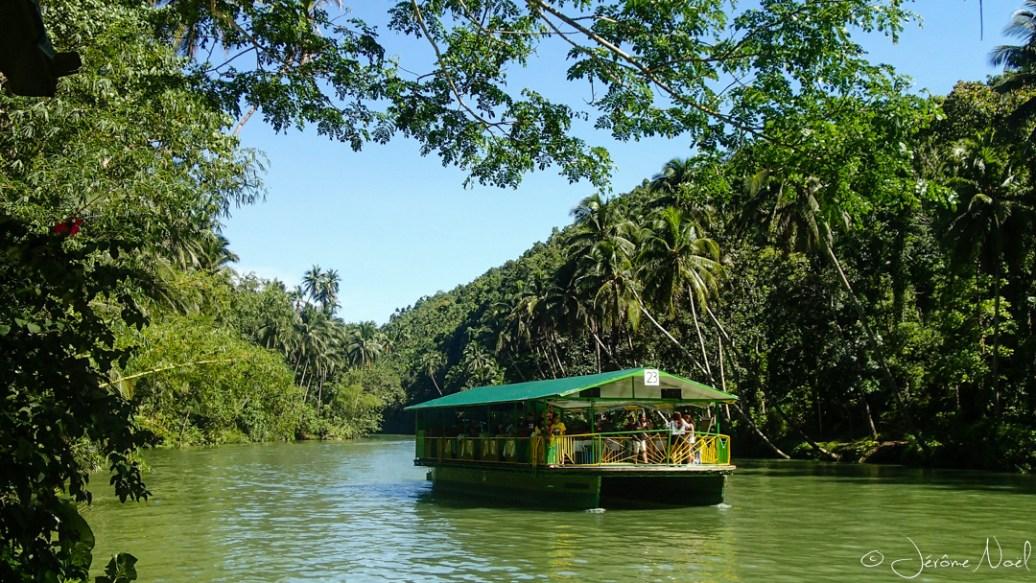 Loboc River, restaurant flottant