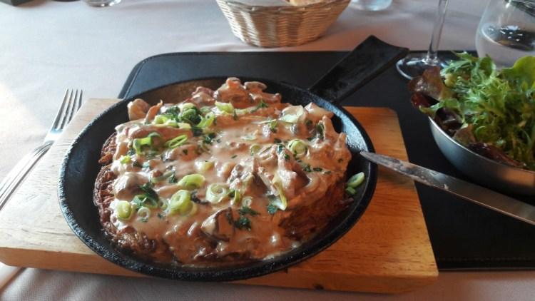 rostis veau champignons - restaurant de lhotel relais des chateaux forts a bitche - voyages ici et ailleurs