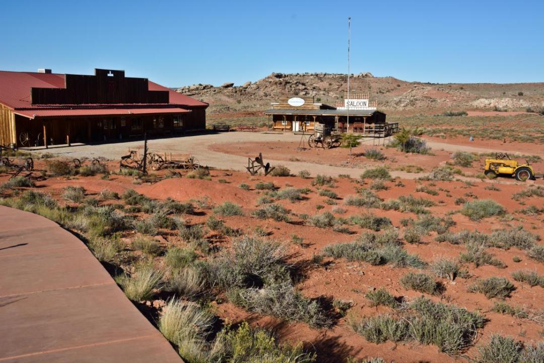 saloon far ouest américain