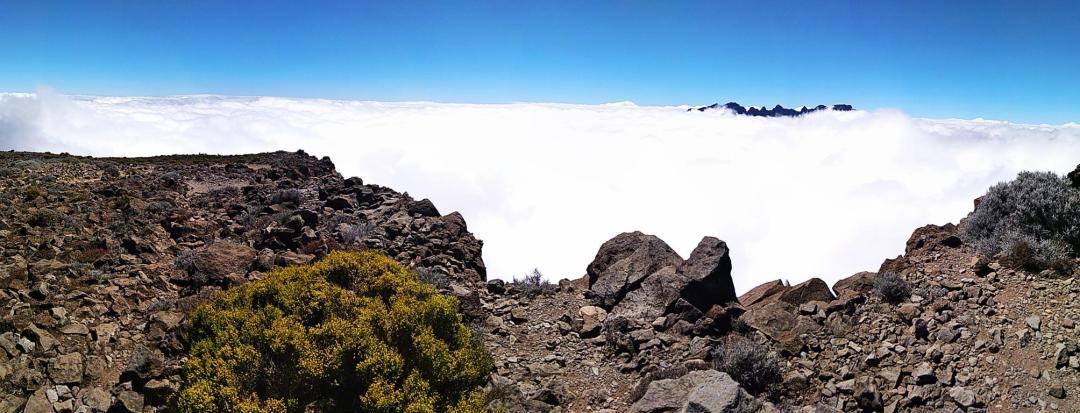 couverture nuageuse sur l'île de la réunion