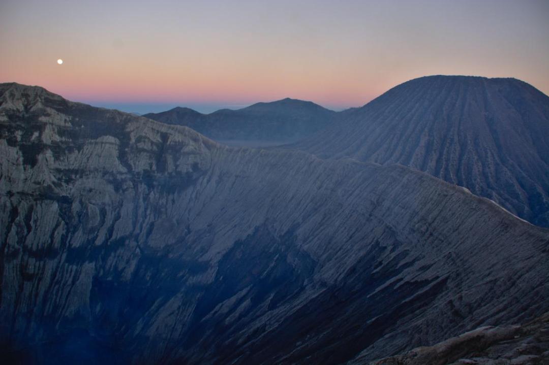 lever de soleil au mont bromo en indonésie