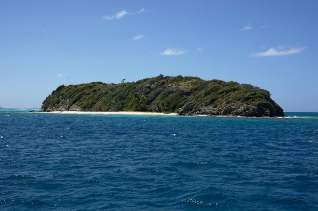 ilet inhabité des grenadines dans les caraibes