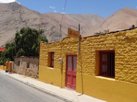 Casas coloridas en Pisco Elqui