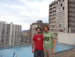 Moya y su piscina en el piso 17