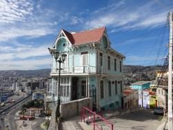 Posiblemente la casa con emplazamiento más peculiar de Valparaíso