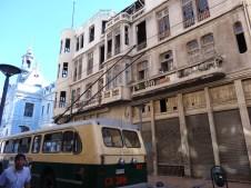 Hotel de la señora italiana... medio abandonado y al lado del congreso de Chile!