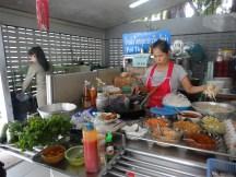 Petit stand de nourriture parmi tant d'autres
