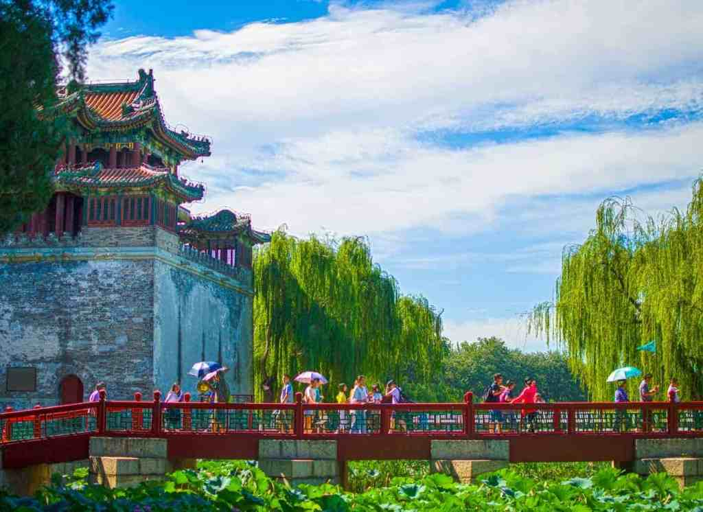 Red-Bridge-and-Pagoda-HDR-Merge