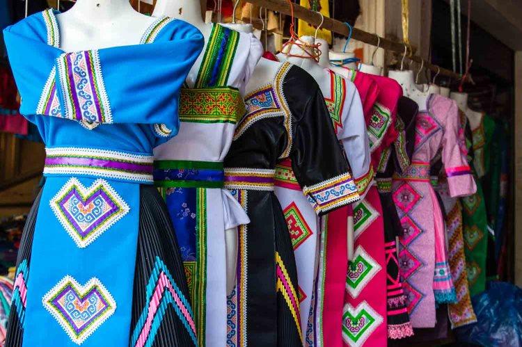 Tenues traditionnelles Laos