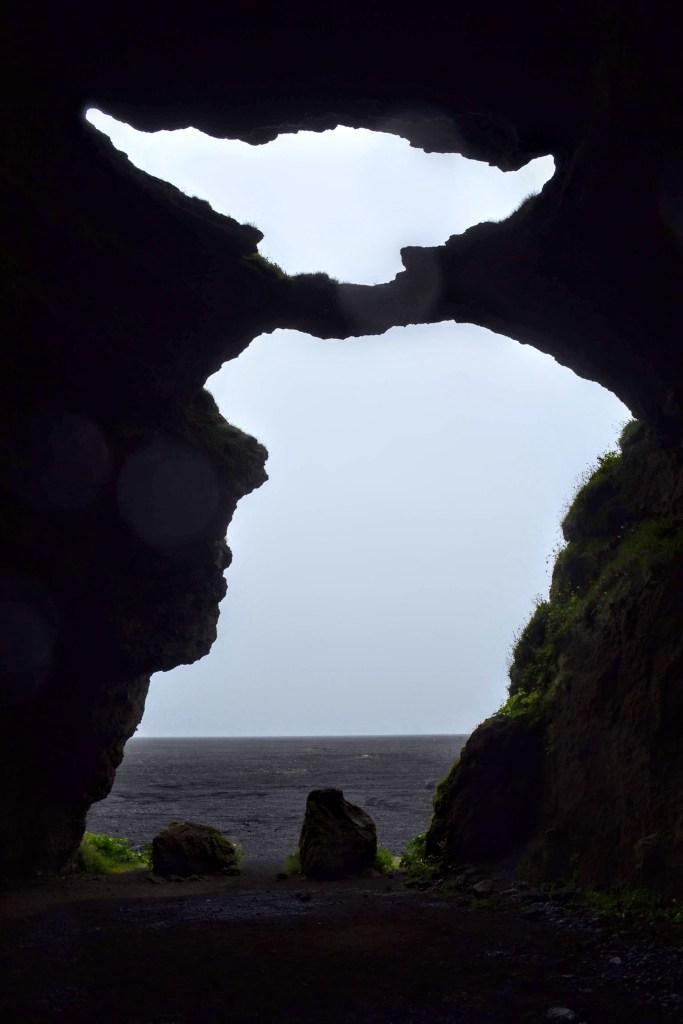 Hjörleifshöfði - Grotte