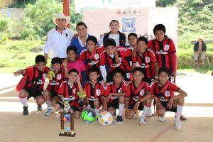 Halconcitos, equipo campeón en torneo de futbol infantil