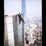 Graba su muerte al caer de un rascacielos, un joven escalador VIDEO