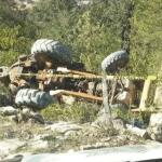 Muere conductor de maquinaria pesada al desbarrancarse en la Sierra Gorda
