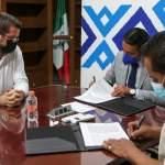 Alcalde Amarildo Bárcenas, firma Convenio con el IEEQ para próxima elección de Delegados escobedenses