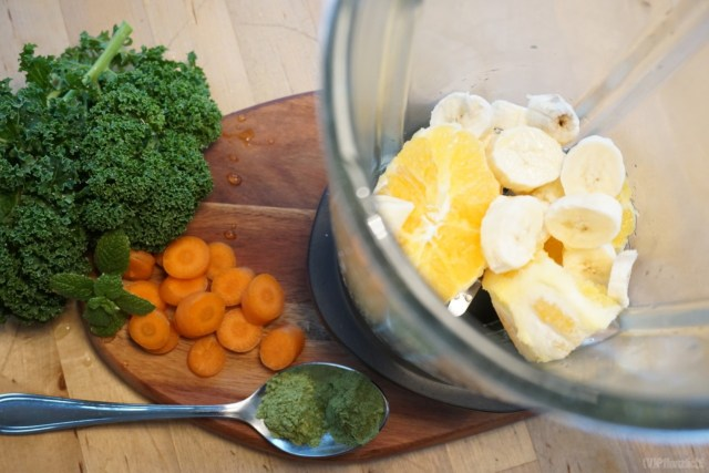 ingredients kale Smoothie with wheatgrass and barley grass
