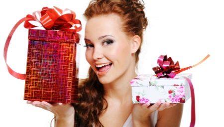 Подарок женщине на день рождения (63 фото): что можно ...