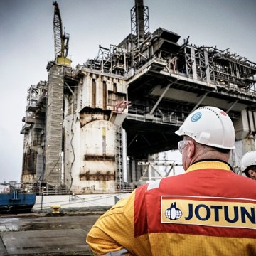 Jotun's offshore coating system cuts maintenance intervals by 50 per cent