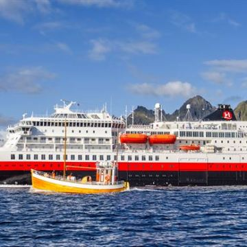 Hurtigruten chooses Wärtsilä to help meet green shipping goals