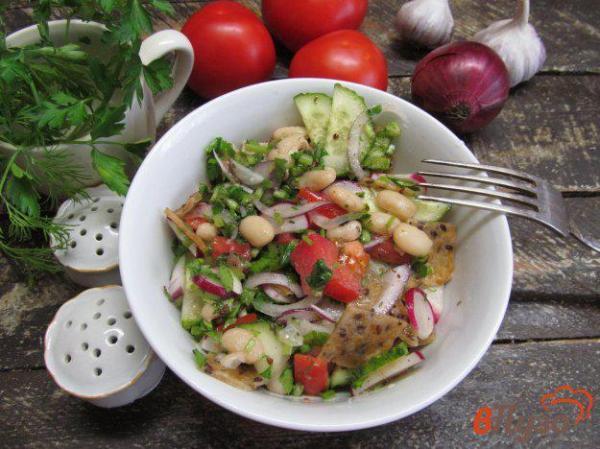 Овощной салат с гренками из лепешки и фасолью 1 - рецепты ...