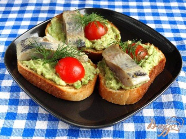 Брускета с авокадо и сельдью - рецепты с фото на vpuzo.com