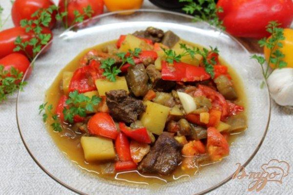 Жаркое из телятины с картофелем, болгарским перцем и ...