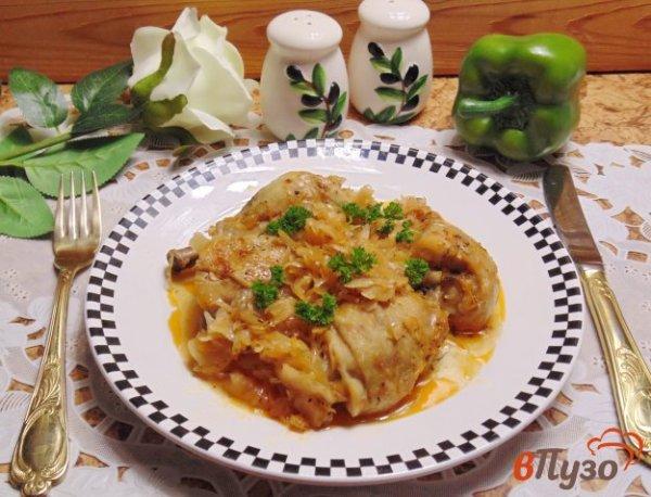 Курица тушеная с квашеной капустой - рецепты с фото на ...