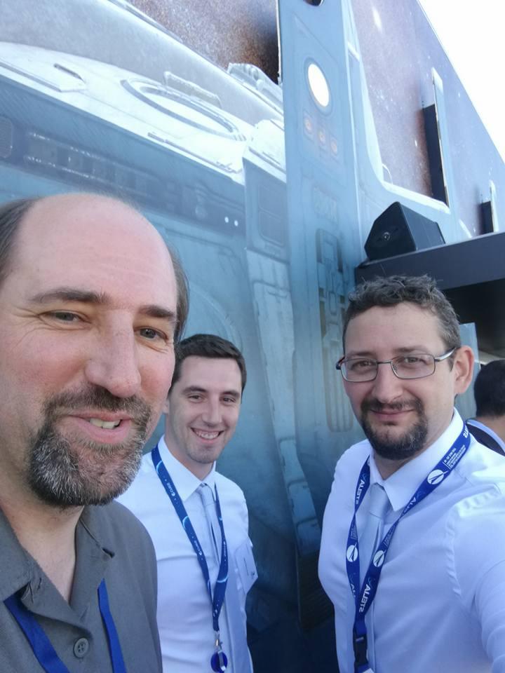 François Civet (PDG - VR2Planets) au côté de Kevin Costard (Modélisateur 3D - VR2Planets) lors du Salon International de l'Aéronautique et de l'Espace 2017 (Le Bourget)