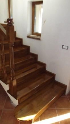 scara lemn
