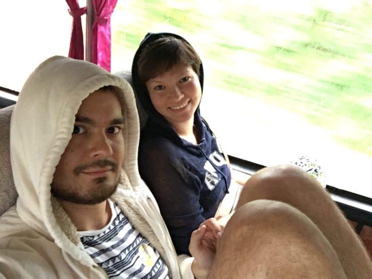 Довольные в автобусе