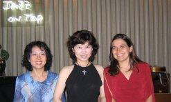 Vanessa with organists Atsuko Hashimoto (left) and Masako Kayamoto (centre) at Jazz On Top in Osaka; August 23, 2005
