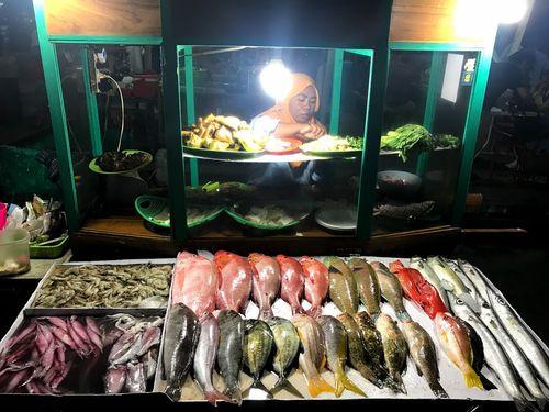 Night Fish Market