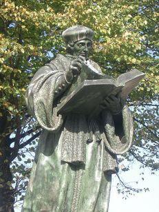 Erasmus standbeeld