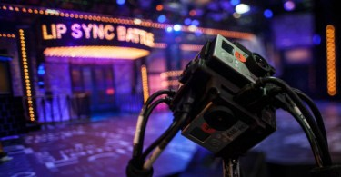 Lip-Sync-Battle-Samsung-VR