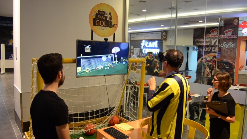 header goal soccer virtual reality