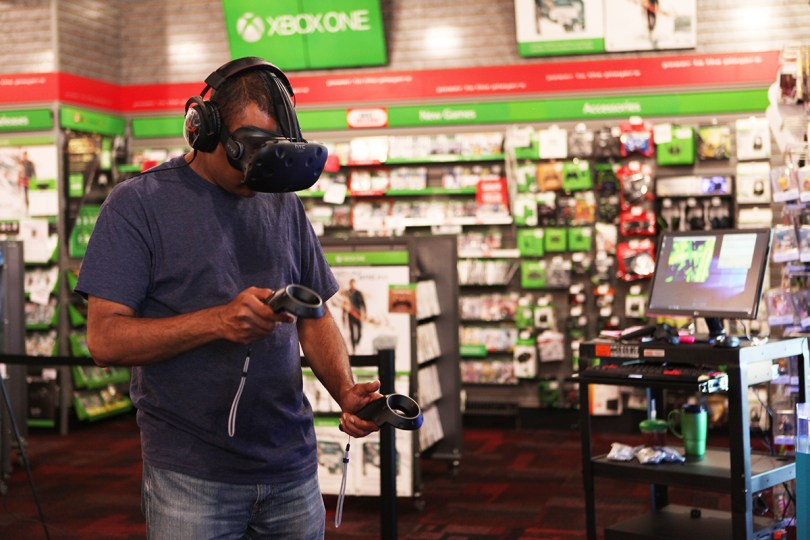 htc-vive-gamestop2