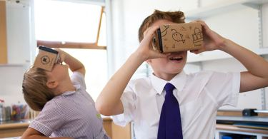 google-expeditions-classroom