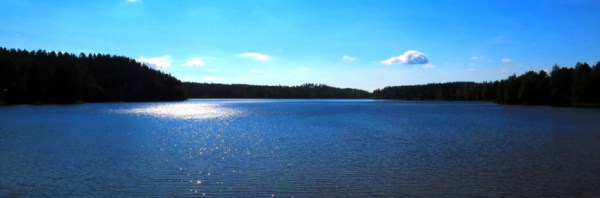 Clouds replace the aurora borealis over Lake Pitkäjärvi.